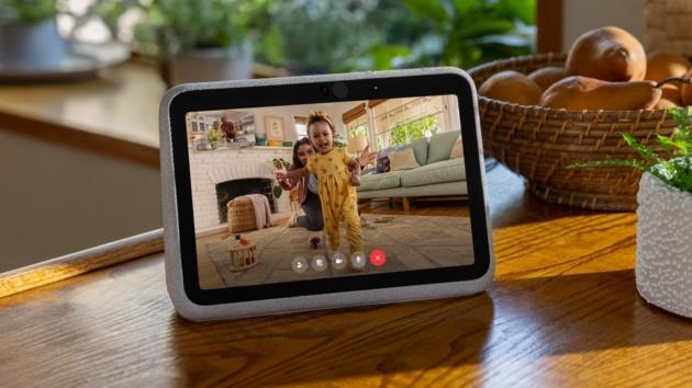 Facebook presenta i nuovi display intelligenti, Portal+ e Go