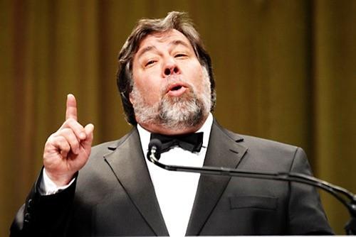 Lo zaino di Steve Wozniak: due Galaxy Nexus e molti altri gadgets