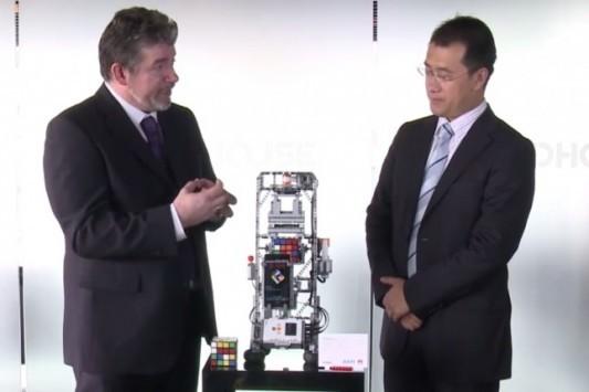 [VIDEO] Huawei Ascend P6 in azione con un Cubo di Rubik