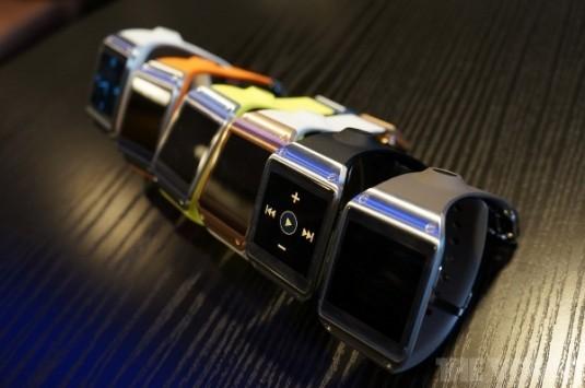 Samsung Galaxy Gear: un nuovo update porta il supporto a tutte le notifiche