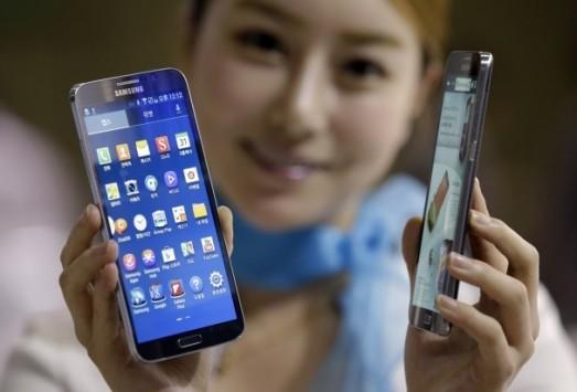 Samsung: in costruzione nuovi stabilimenti per la produzione di display flessibili per Note 5 ed S6