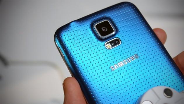 Samsung trasforma l'IVA di Galaxy S5 e Galaxy S5 Mini in buoni acquisto