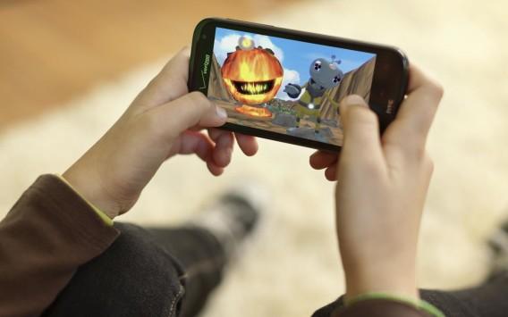 Giappone: console in crisi, aumentano le vendite di smartphone e tablet