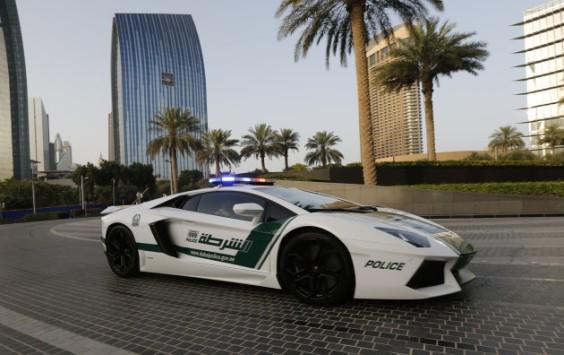 Google Glass, Bugatti e Lamborghini per la polizia di Dubai