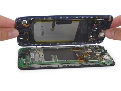 Nexus 6, il teardown di iFixit mostra cosa c'è all'interno