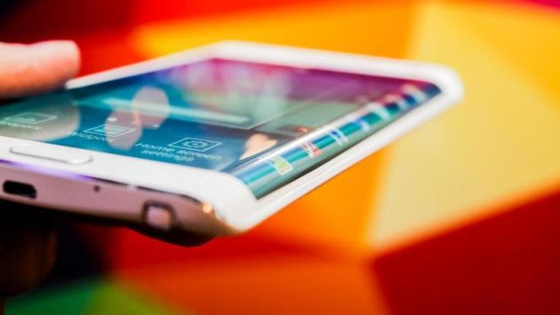Huawei Mate Edge e Xiaomi Mi Note Edge: nuovi smartphone con display curvo in arrivo