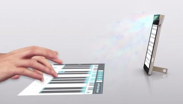 Lenovo presenta uno smartphone che rende touch qualunque superficie e altro ancora