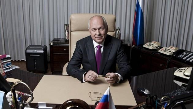 Una backdoor per i servizi russi sugli smartphone YotaPhone: lo ammette l'azienda stessa