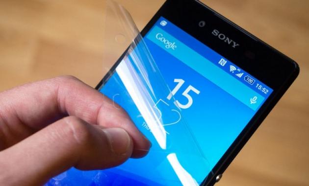 Sony Xperia Z3+ ha una pellicola protettiva pre-applicata