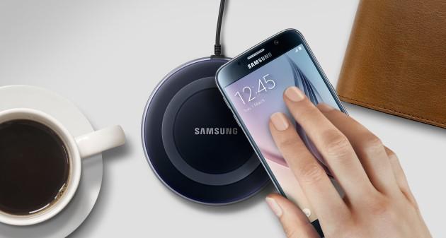 Samsung: il nuovo fast wireless charger ha una ventola per il raffreddamento