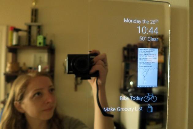 Ecco lo specchio intelligente economico: facile da realizzare e potete anche assemblarlo in casa!