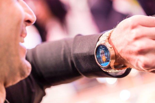 Huawei Watch supporterà le chiamate vocali, lo rivela un tweet