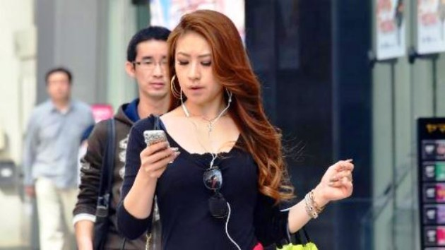 WhatsApp, Telegram, SMS: dimenticateli mentre camminate
