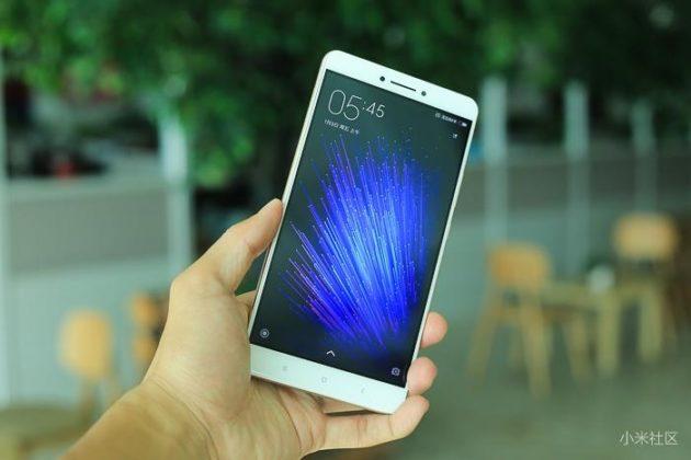 Xiaomi Mi Max si mostra in un primo unboxing