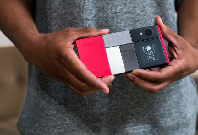 Ufficiale: Project Ara è tornato. Lo smartphone modulare uscirà nel 2017 [Foto Hands-on]