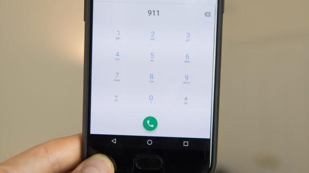 OnePlus 5: improvvisi riavvii durante le chiamate di emergenza - VIDEO