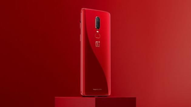 OnePlus 6 Red è stato svelato ufficialmente - VIDEO