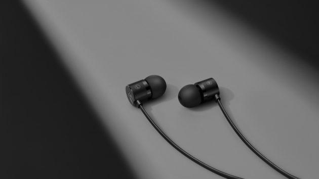 OnePlus presenta ufficialmente gli auricolari Type C Bullets