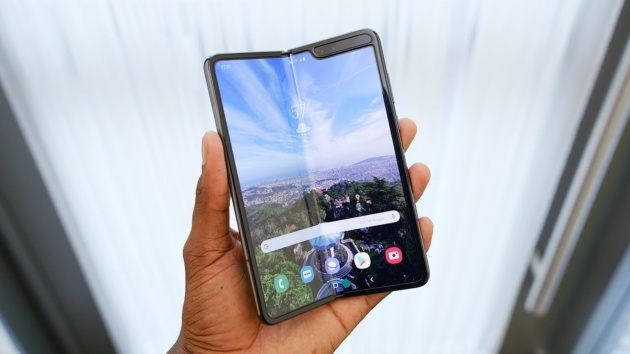 Il Samsung Galaxy Fold Lite arriverà l'anno prossimo e non sarà economico