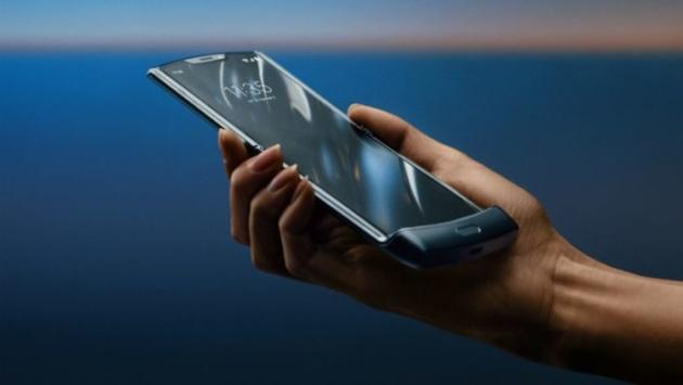 Motorola Razr: smontare il display è quasi impossibile [VIDEO]