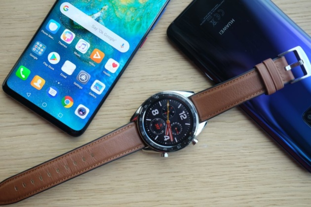 Huawei Mate Watch in arrivo ad ottobre con HarmonyOS