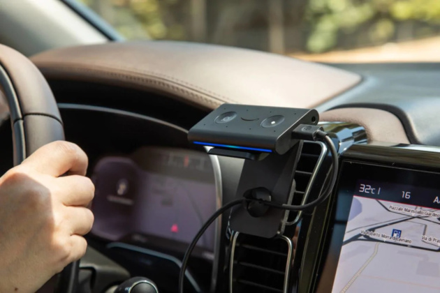 Amazon Echo Auto arriva finalmente in Italia: rendi smart qualsiasi vettura!