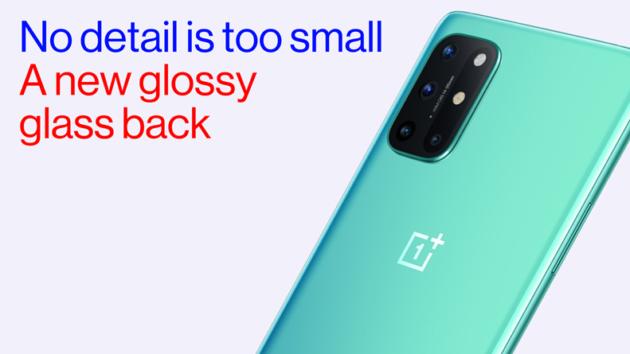 OnePlus 8T nella colorazione Aquamarine Green si mostra in un video ufficiale
