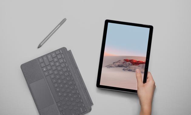 Promo Amazon Prime Student: Microsoft Surface GO 2 al miglior prezzo