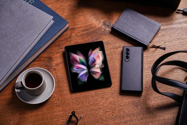 Il nuovo Galaxy Z Fold 3 consuma il 25% in meno di energia