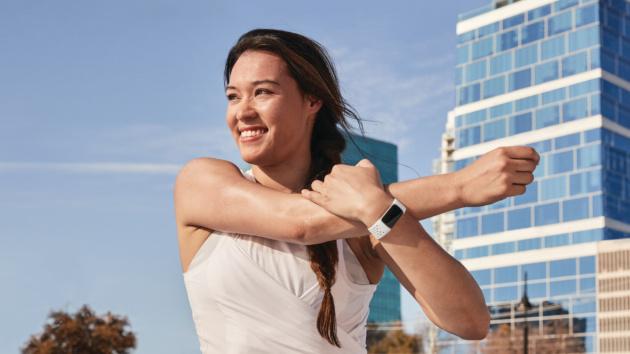 Fitbit presenta il nuovo Charge 5